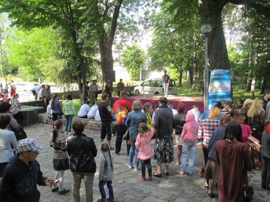 До Новограда-Волинського прибули учасники кругосвітнього велопробігу «Світ без сиріт», фото-2
