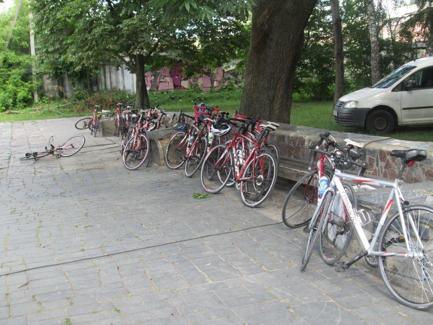 До Новограда-Волинського прибули учасники кругосвітнього велопробігу «Світ без сиріт», фото-4