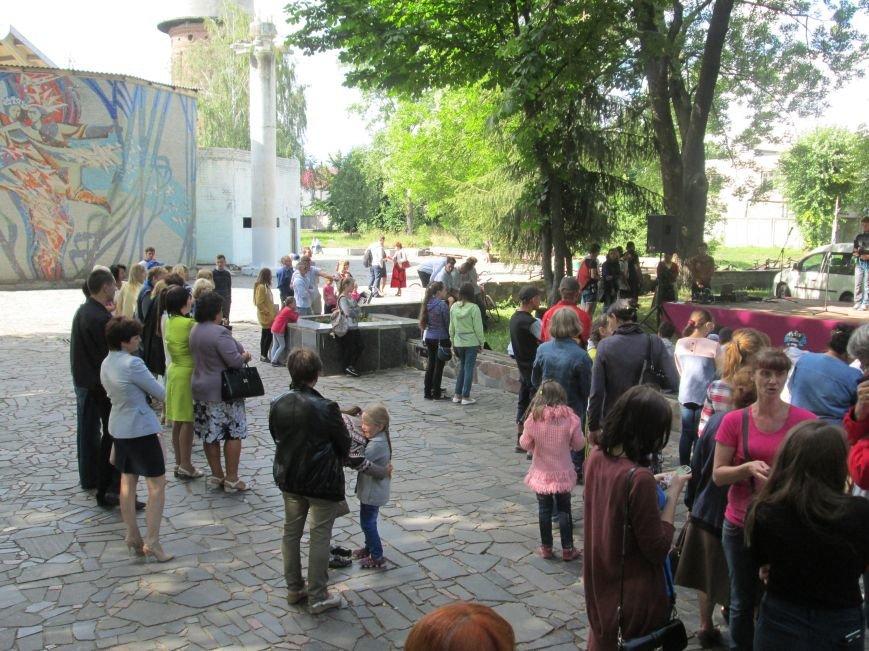 До Новограда-Волинського прибули учасники кругосвітнього велопробігу «Світ без сиріт», фото-3