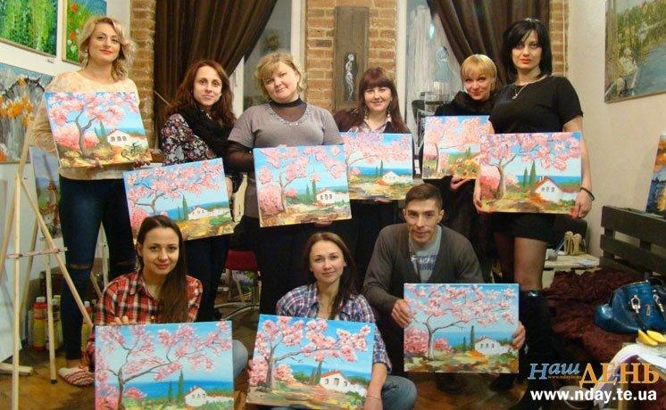 Півсотні робіт за 2,5 місяці: у Тернополі люди без художньої освіти пишуть картини в стилі Ван Гога і Моне, фото-2