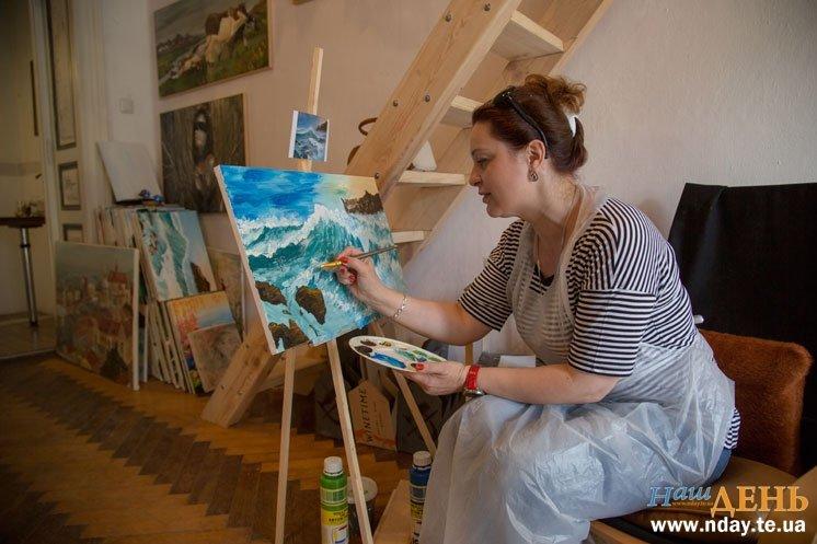 Півсотні робіт за 2,5 місяці: у Тернополі люди без художньої освіти пишуть картини в стилі Ван Гога і Моне, фото-1