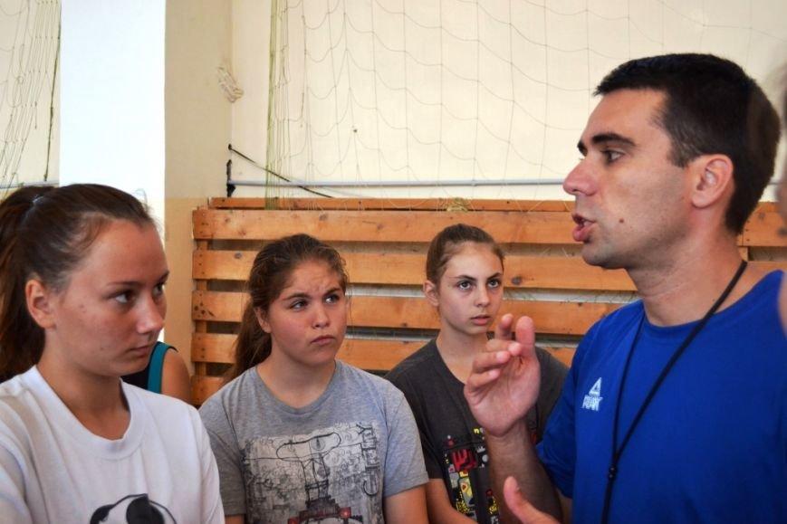 Тренер из Сербии проводит сборы для юных баскетболистов Сахалина, фото-3