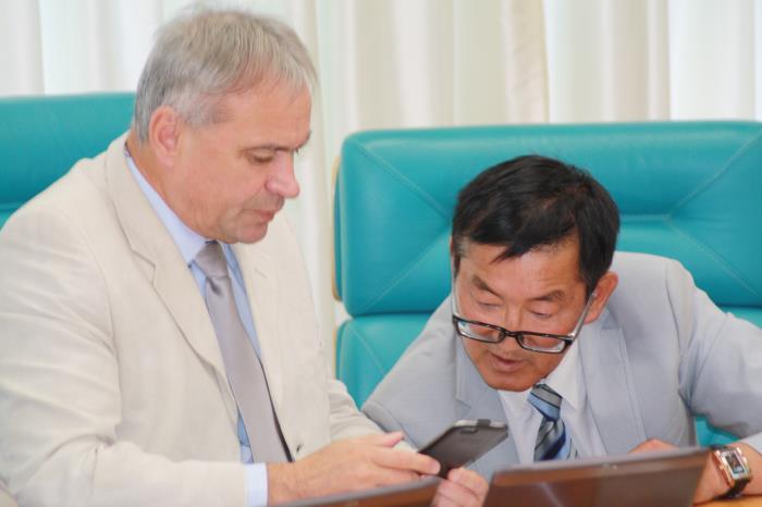 Сахалинские депутаты лишили пенсионеров возможности получить дополнительно пять тысяч рублей, фото-5