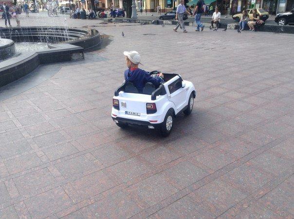 Попри заборону львів'яни вимагають перенести атракціони із площі перед Оперним театром (ФОТО), фото-5