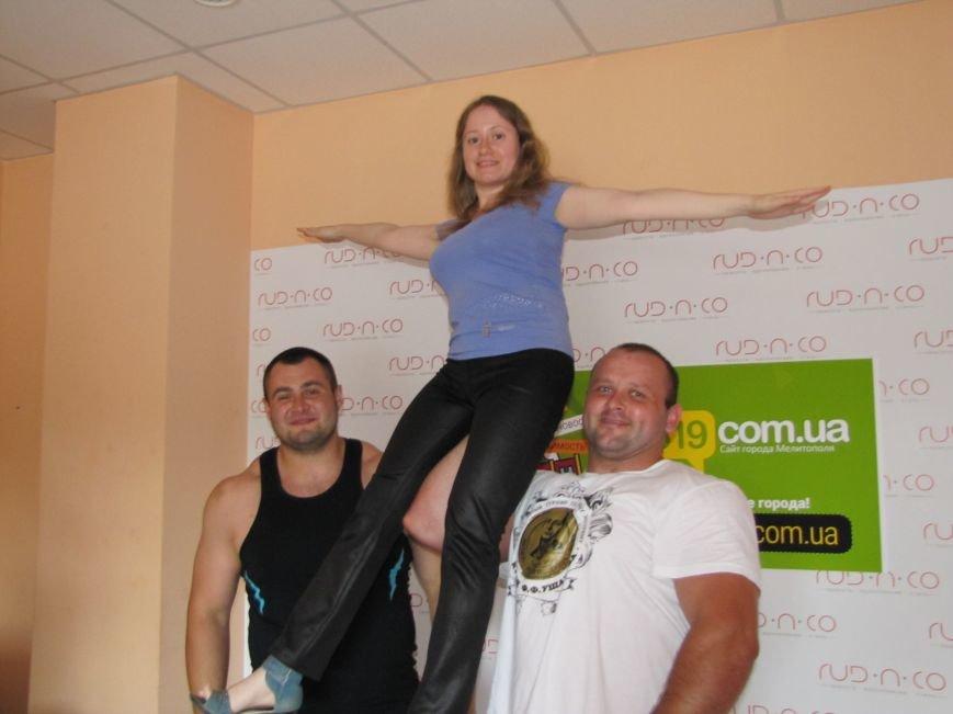 Сильнейшие стронгмены Беларуси и Украины продемонстрировали журналистам свою силу, фото-7