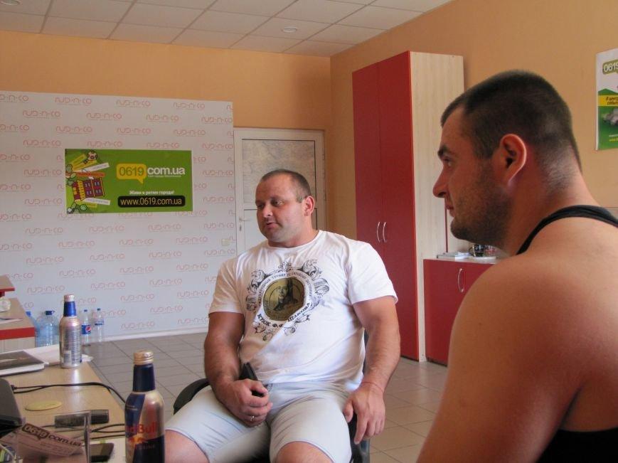 Сильнейшие стронгмены Беларуси и Украины продемонстрировали журналистам свою силу, фото-3