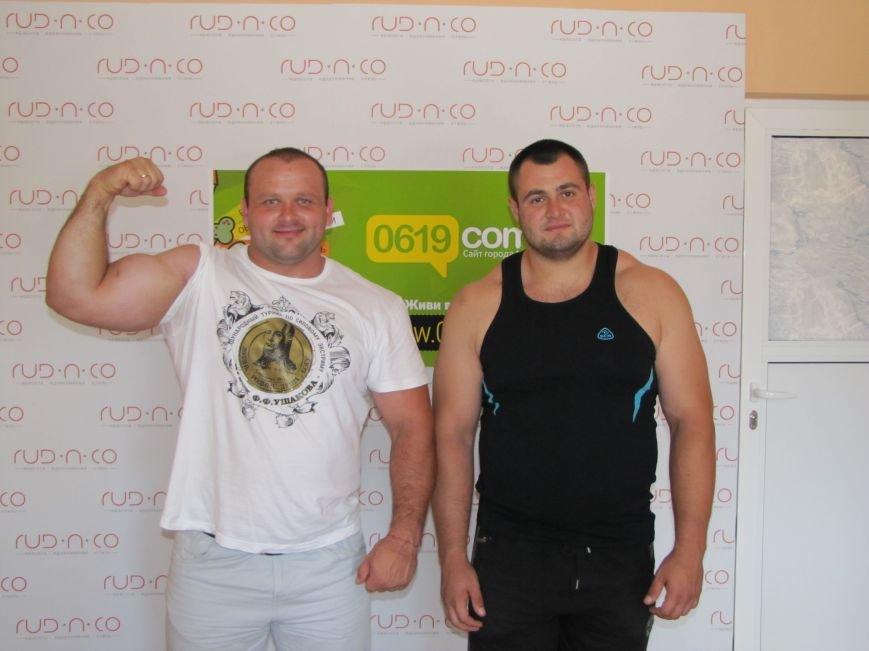 Сильнейшие стронгмены Беларуси и Украины продемонстрировали журналистам свою силу, фото-4