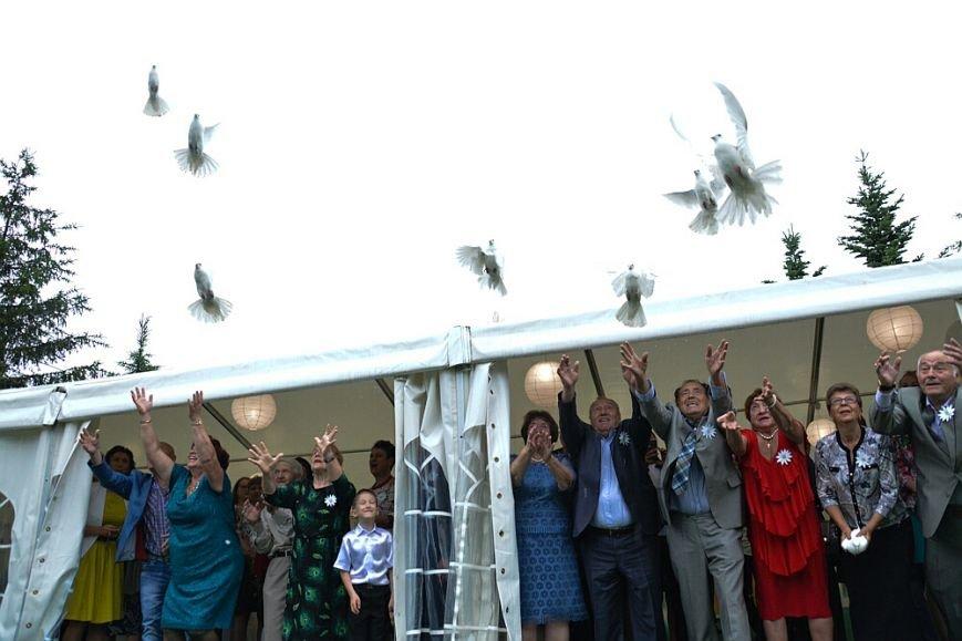 День любви, семьи и верности отметили в Южно-Сахалинске, фото-2