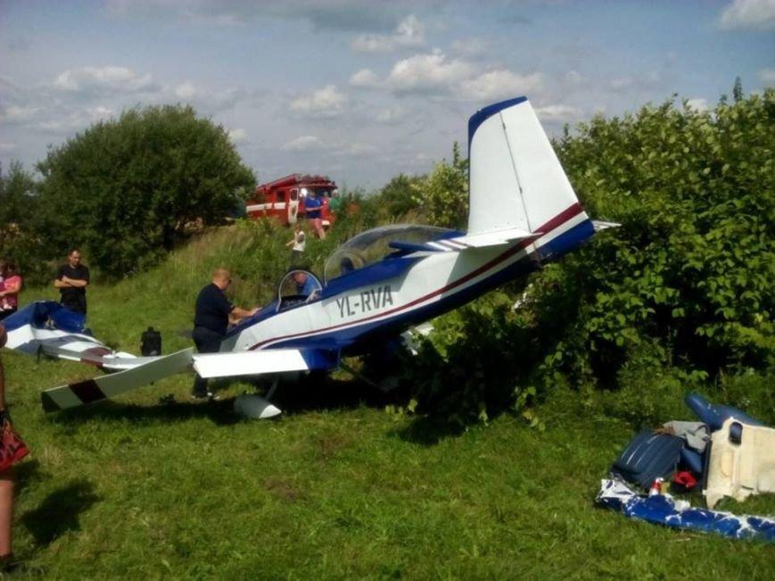 З'явилися фотографії з місця вимушеної посадки літака RV-8 на Львівщині (ФОТО), фото-2
