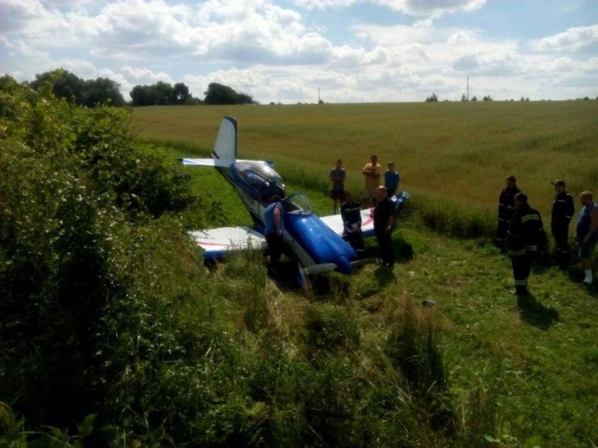 З'явилися фотографії з місця вимушеної посадки літака RV-8 на Львівщині (ФОТО), фото-1