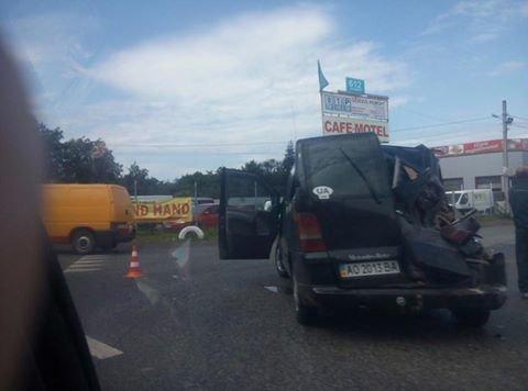 На Львівщині фура зіштовхнулась із мікроавтобусом (ФОТО), фото-2