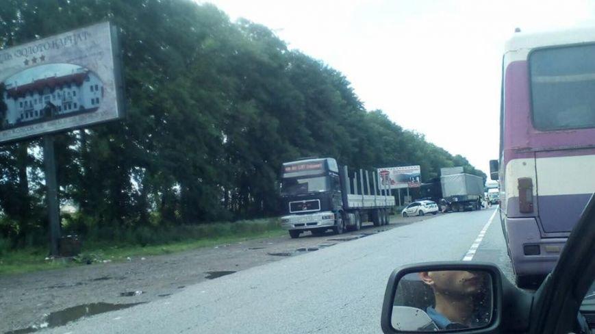 На Львівщині фура зіштовхнулась із мікроавтобусом (ФОТО), фото-3