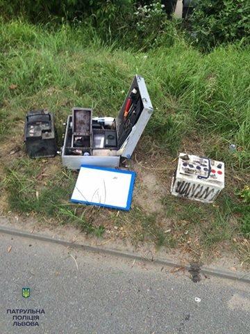 Інспектори патрульної поліції затримали підозрюваних в викраданні авто, фото-1