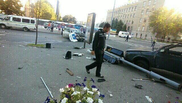 В центре Харькова ДТП с участием патрульных: двое погибли, четверо пострадали (ФОТО, ВИДЕО), фото-1