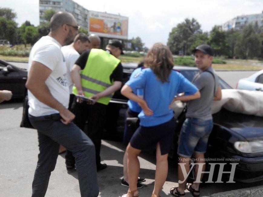 В Запорожье обнаружили автомобиль, начиненный взрывчаткой, - СМИ, фото-3