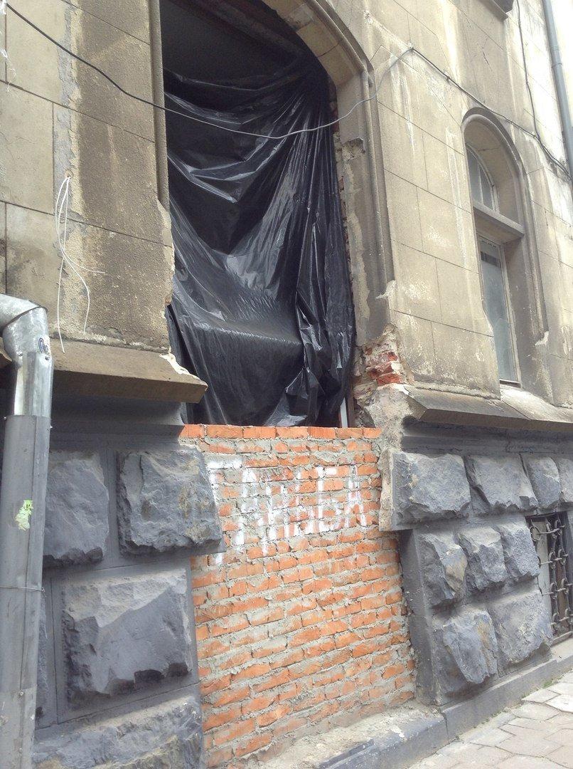 Історичну пам'ятку на вулиці Фредра так і не відновили (ФОТО), фото-2