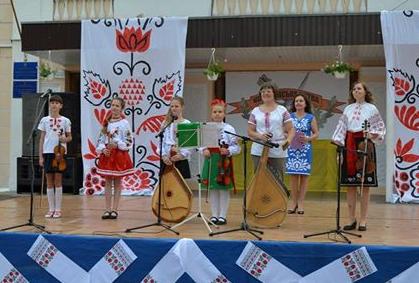 В Конотопі три дні давали концерти народної музики, фото-1
