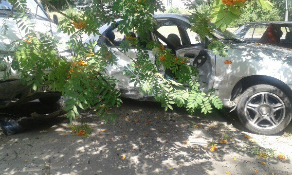 В Запорожье водитель потерял сознание за рулем: пострадали 4 автомобиля, - ФОТО, фото-2