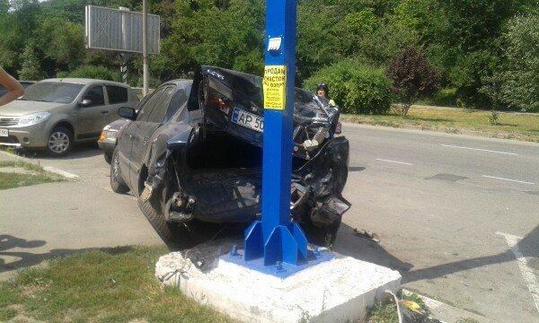 В Запорожье водитель потерял сознание за рулем: пострадали 4 автомобиля, - ФОТО, фото-1