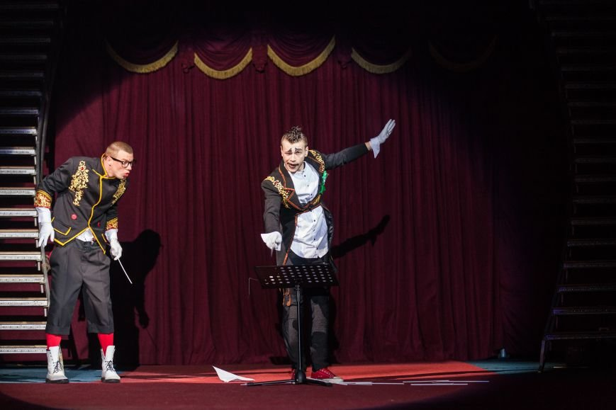 Цирк «Кобзов» начинает гастроли в Бердянске с благотворительного представления, фото-1