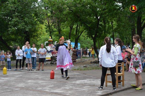 Жителей города  поздравили с праздником семьи, любви и верности, фото-2