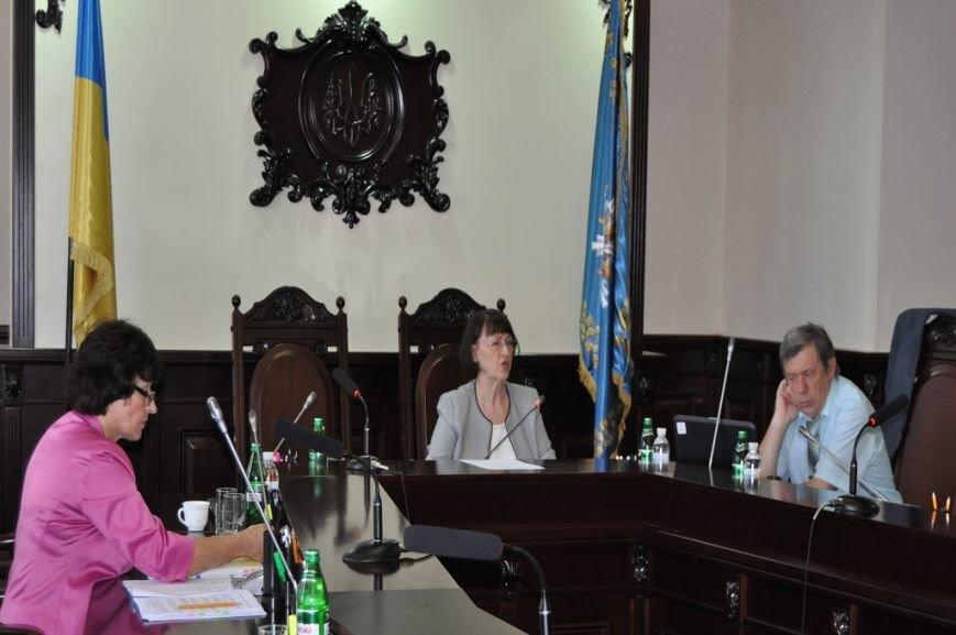 komisiia-zastosuwala-do-suddi-disciplinarnie-stiagniennia-u-widi-popieriedziennia
