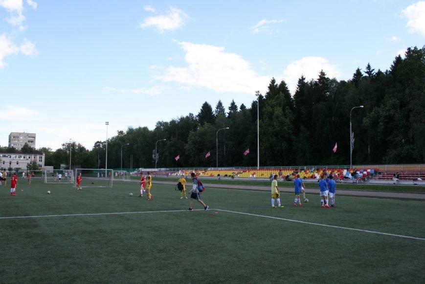 Чемпионы Европы открыли своим выступлением футбольный турнир в Новой Москве, фото-7