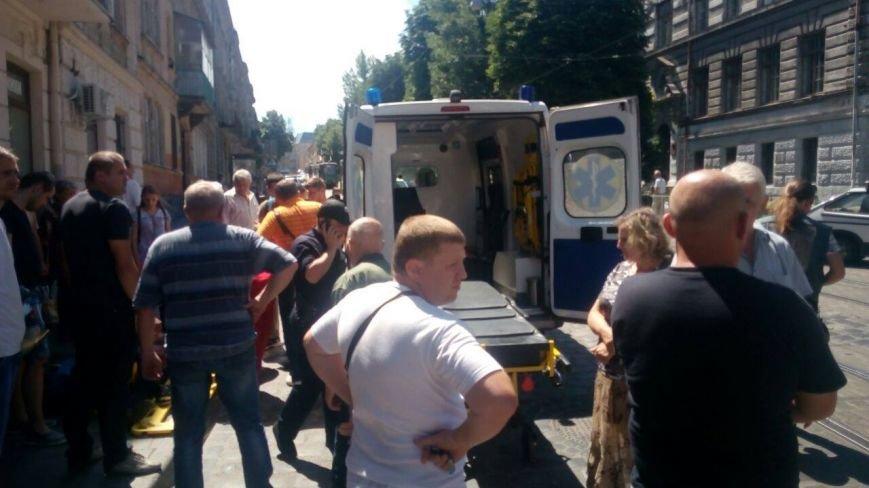 У Львові автомобіль зіштовхнувся із мотоциклістом (ФОТО), фото-2