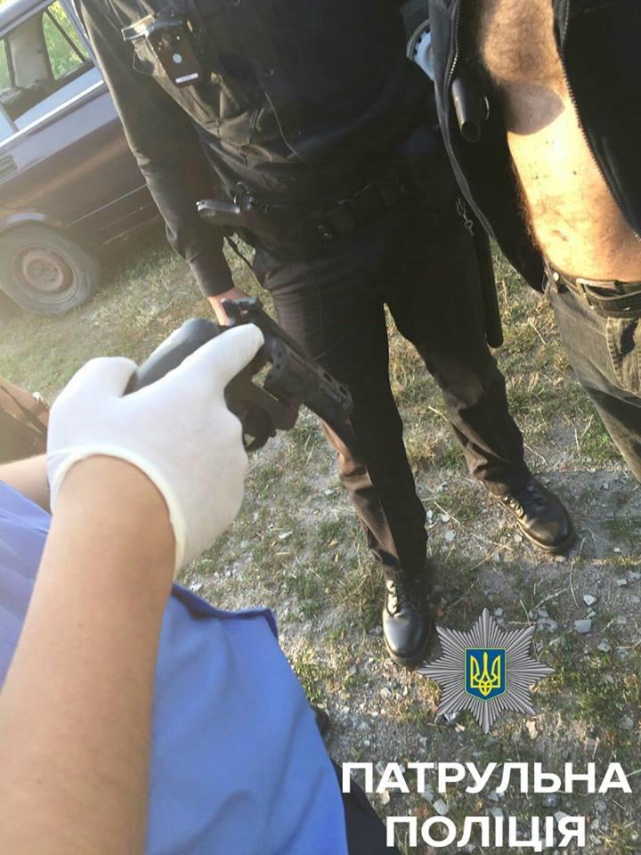 В Кировограде мужчина крушил дом своей сожительницы (ФОТО), фото-1