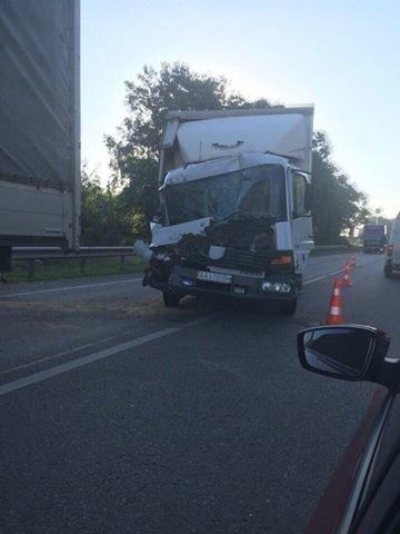На автодорозі Київ-Чоп зіштовхнулись дві вантажівки (ФОТО), фото-1