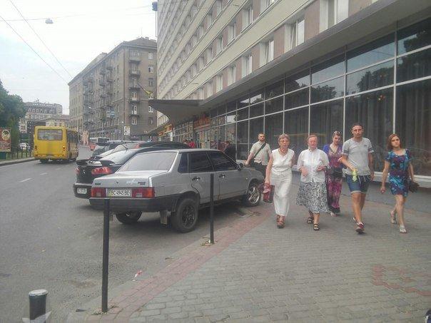 Парковку поблизу готелю «Львів» планують перенести (ФОТО), фото-6