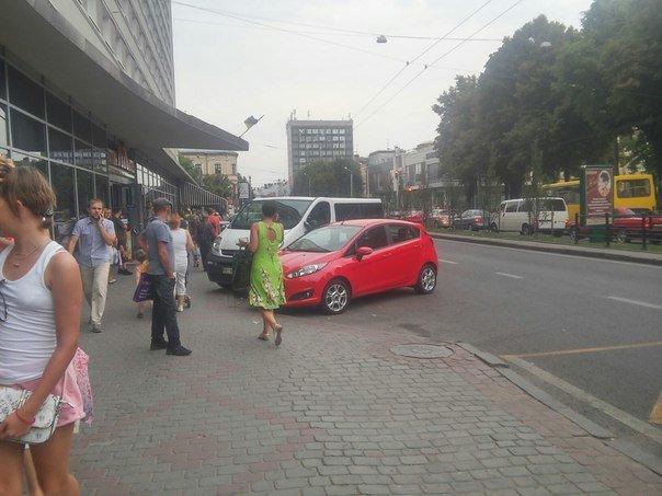 Парковку поблизу готелю «Львів» планують перенести (ФОТО), фото-5