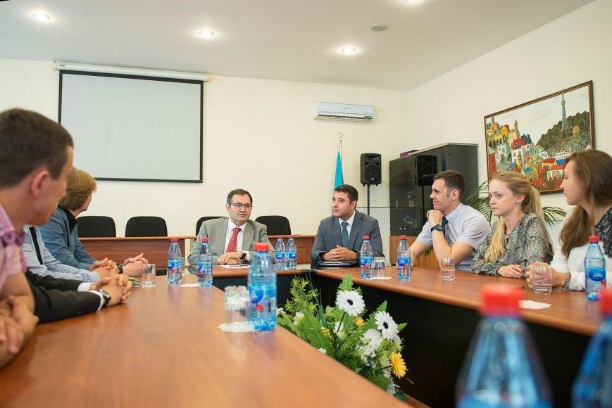 Студентка журфака МГУ из Троицка Новой Москвы посетила Баку с делегацией молодёжи столичных ВУЗов, фото-1