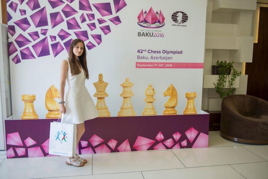 Студентка журфака МГУ из Троицка Новой Москвы посетила Баку с делегацией молодёжи столичных ВУЗов, фото-3