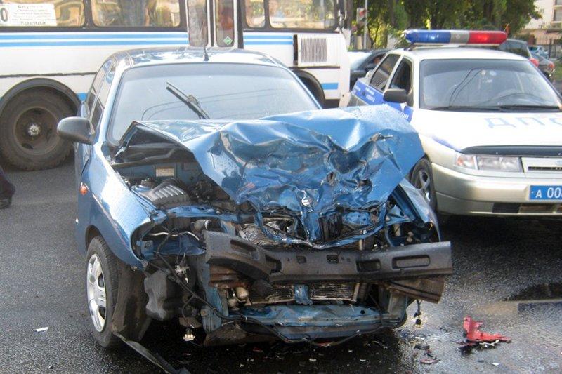 В Белгороде жёстко сбили мотоциклиста, фото-1