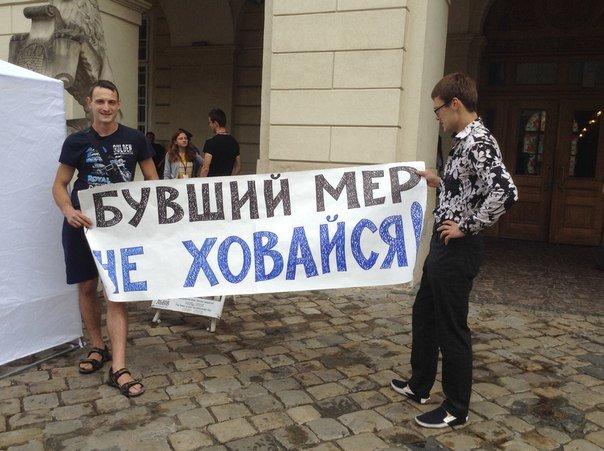 Під Ратушею активісти влаштували пікет (ФОТО), фото-3