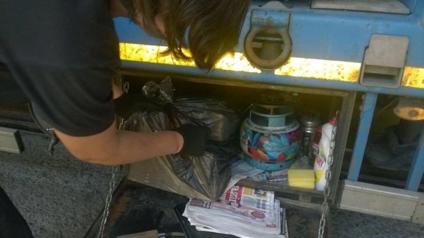 в Ильичёвском порту обнаружили контрабанду сигарет (видео), фото-1