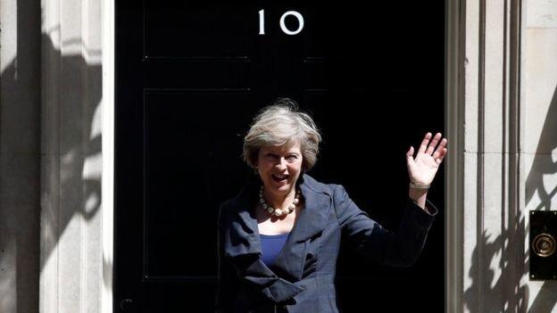 Дэвид Кэмерон освобождает для Терезы Мэй пост и квартиру, фото-1