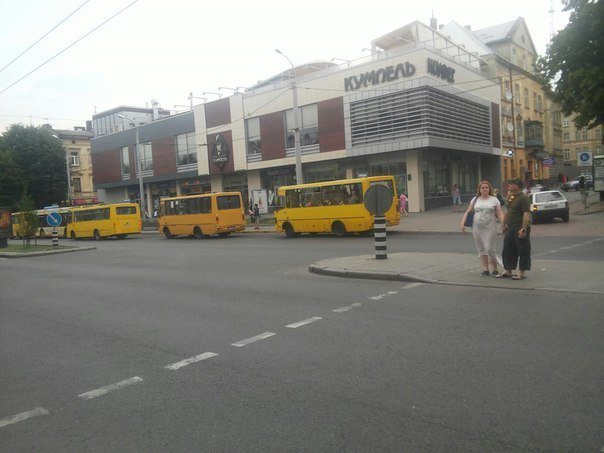 Від площі Різні до вулиці Детька облаштують смугу громадського транспорту (ФОТО), фото-1