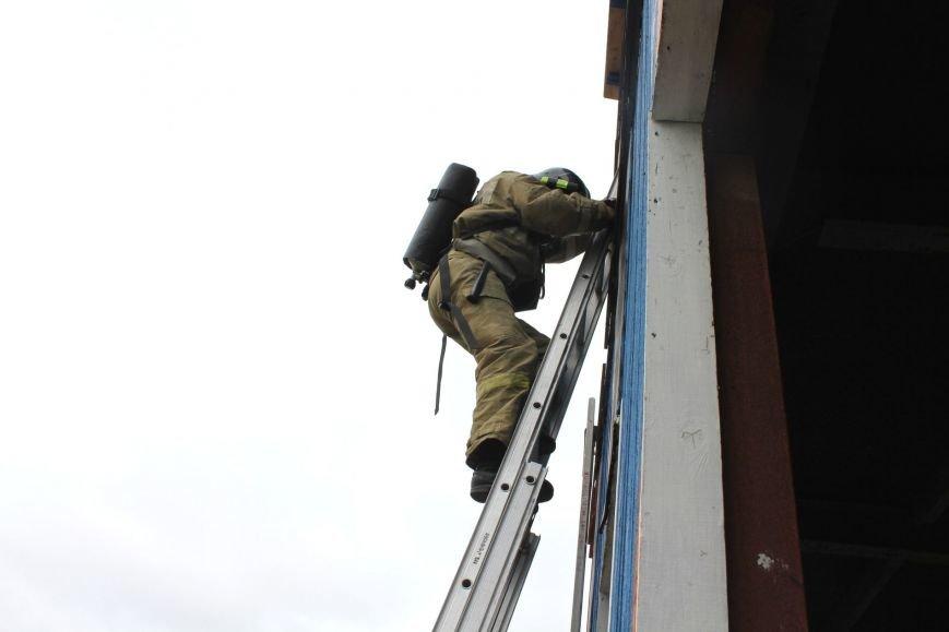 Прошло ежегодное соревнование на определение лучшей пожарной бригады Сахалина, фото-2