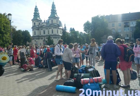 Тисячі паломників вирушили з Тернополя пішою ходою на прощу до Зарваниці (Відео, фото), фото-2