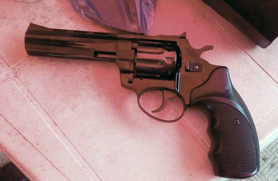 У сумчанина нашли оружие и наркотики (ФОТО), фото-2