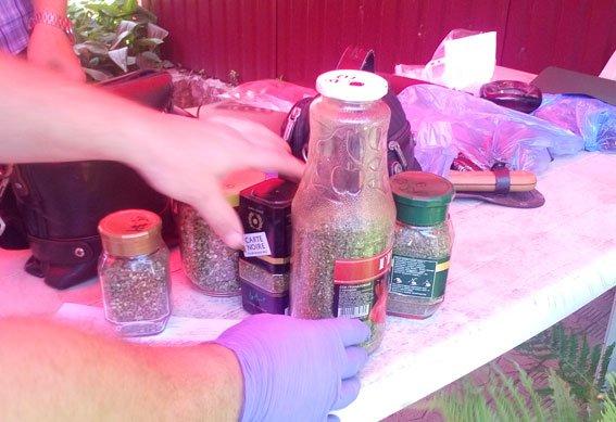 У сумчанина нашли оружие и наркотики (ФОТО), фото-1