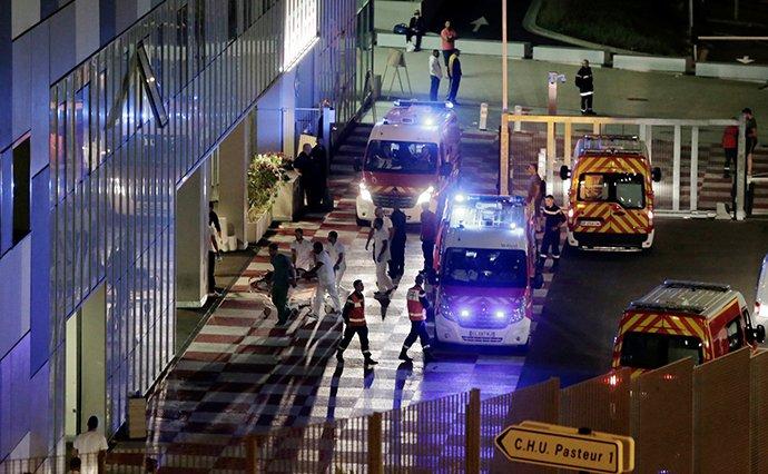 Внаслідок теракту у Франції загинуло 84 людей: серед постраждалих є українці, фото-1