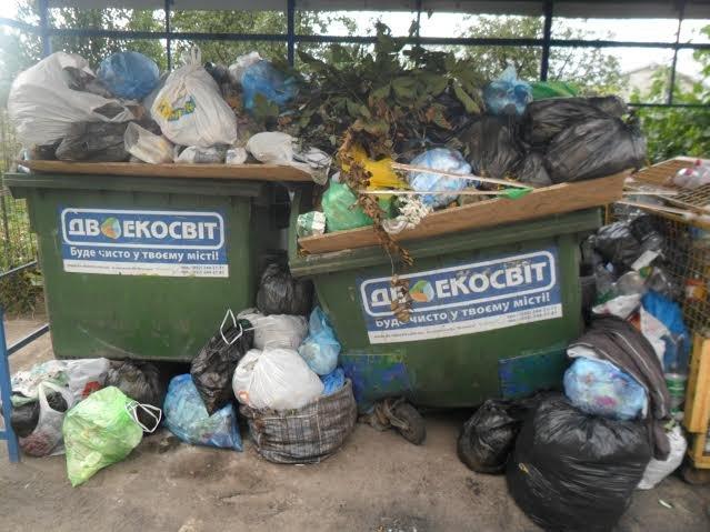 Львів'яни знову скаржаться на переповнені смітники (ФОТО), фото-3
