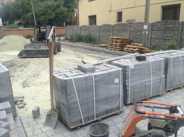 На вулиці Хмільовій триває капітальний ремонт тротуарів (ФОТО), фото-5
