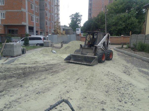 На вулиці Хмільовій триває капітальний ремонт тротуарів (ФОТО), фото-4