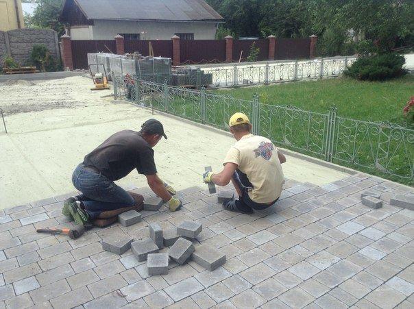 На вулиці Хмільовій триває капітальний ремонт тротуарів (ФОТО), фото-3
