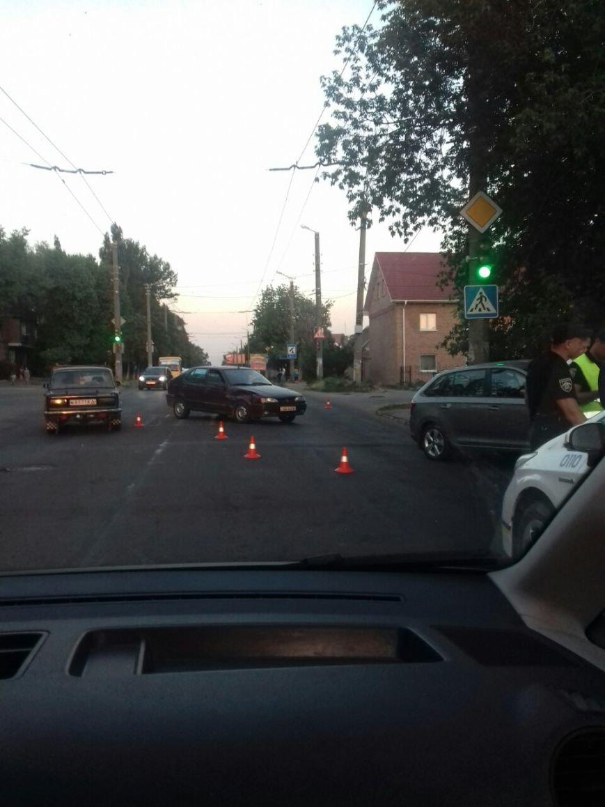 ДТП в Кропивницком: на Николаевке столкнулись две иномарки (ФОТО), фото-1