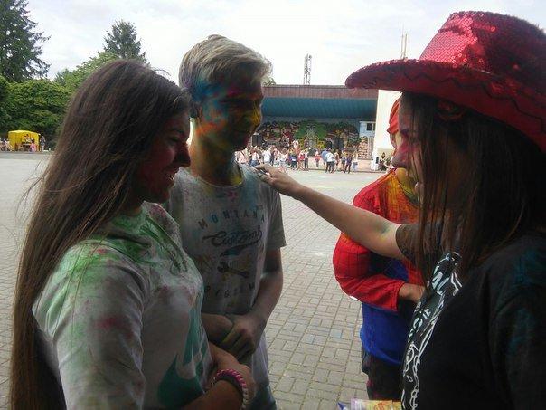 """В рамках фестивалю фарб """"Holiwood"""" львів'яни мали можливість укладати шлюб (ФОТО), фото-3"""